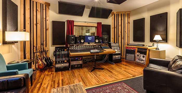 ضبط صدا در استودیو موسیقی