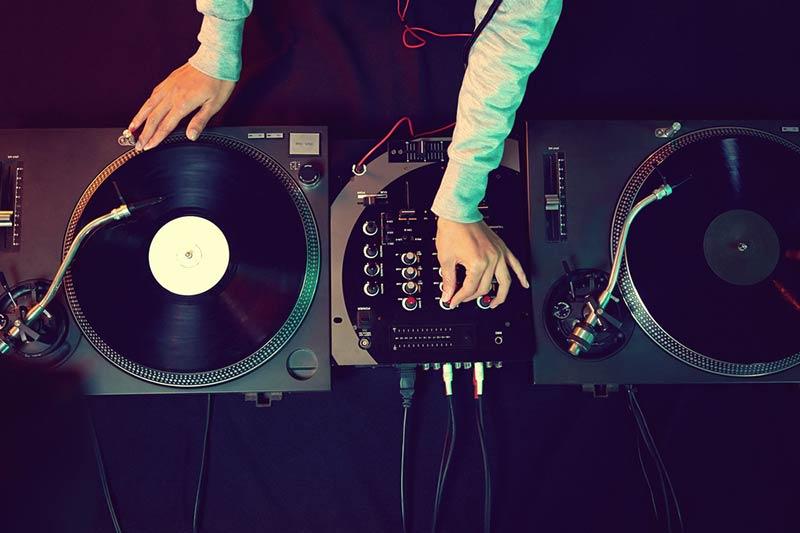 ابزارهای موسیقی سبک الکترونیک