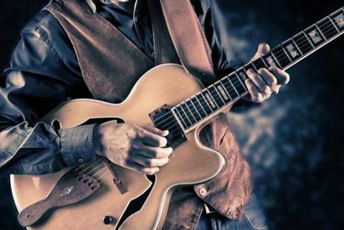 نوازنده گیتار الکتریک